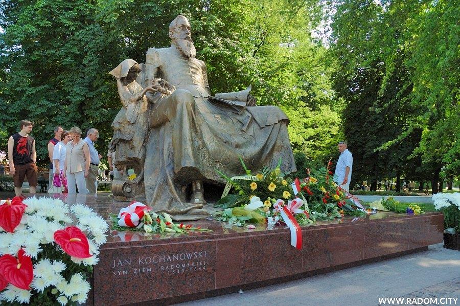 Radom. Pomnik Jana Kochanowskiego.