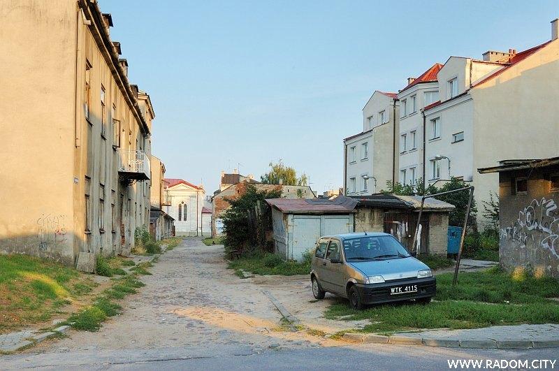 Radom. Ulica Szwarlikowska, widok z ul. Wolność.