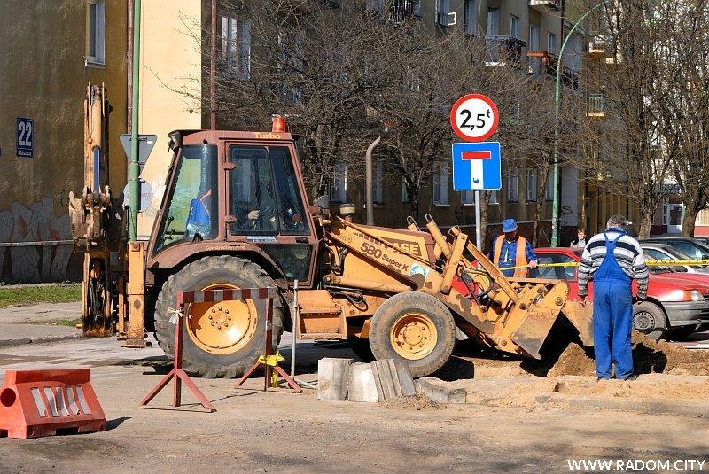 Radom. Skrzyżowanie ulic Kelles-Krauza i Staszica w czasie remontu.