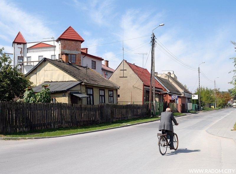 Radom. Ulica Mokra, widok z ul. Kraszewskiego.