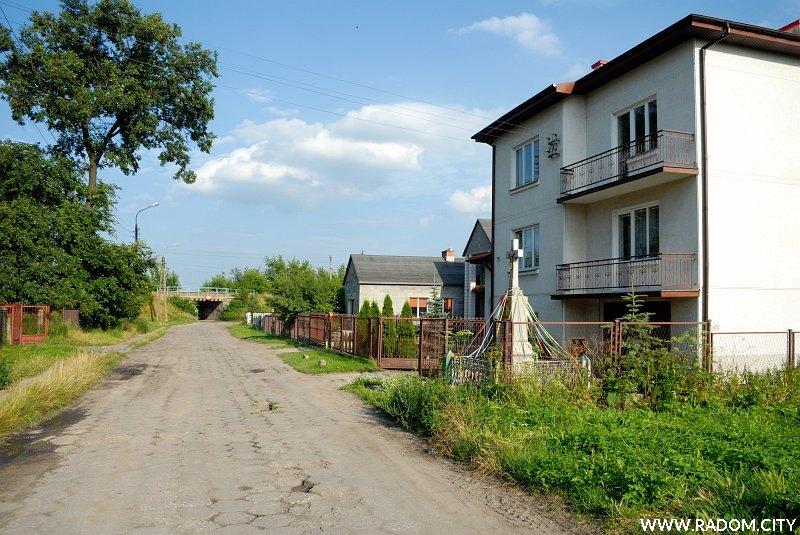 Radom. Krzyż - ul. Gołębiowska 58.