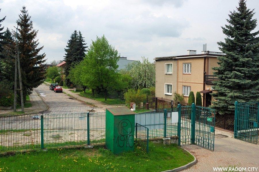 Radom. Ulica Marusarzówny widziana ze stadionu Radomiaka.