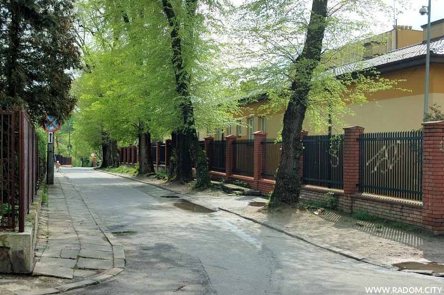 Radom. Ulica Siemiradzkiego widziana z ul. Filtrowej.