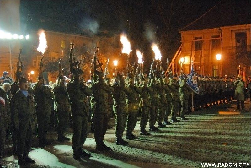 Radom. Obchody 90 rocznicy odzyskania niepodległości.