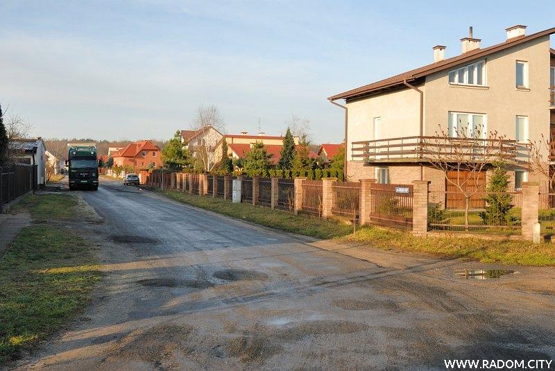 Radom. Ulica Ofiary, widok z ul. Puszczańskiej.