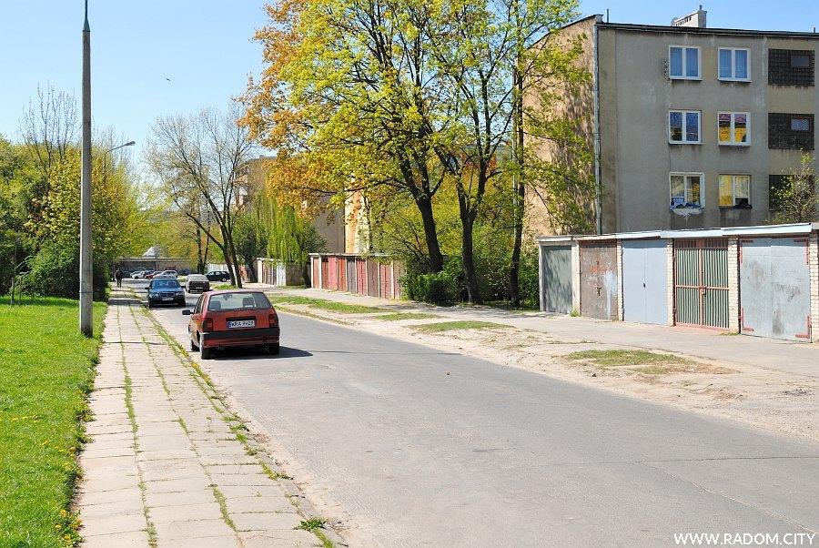 Radom. Ulica Bema, widok na skrzyżowanie z ul. Jasińskiego.