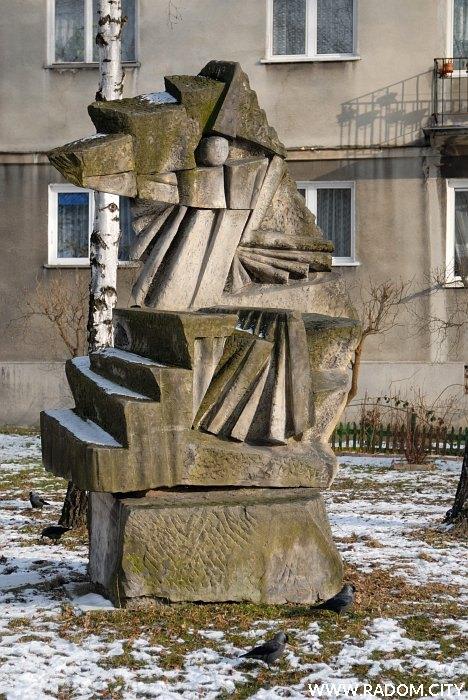 Radom. Rzeźba - Struga/Sportowa.