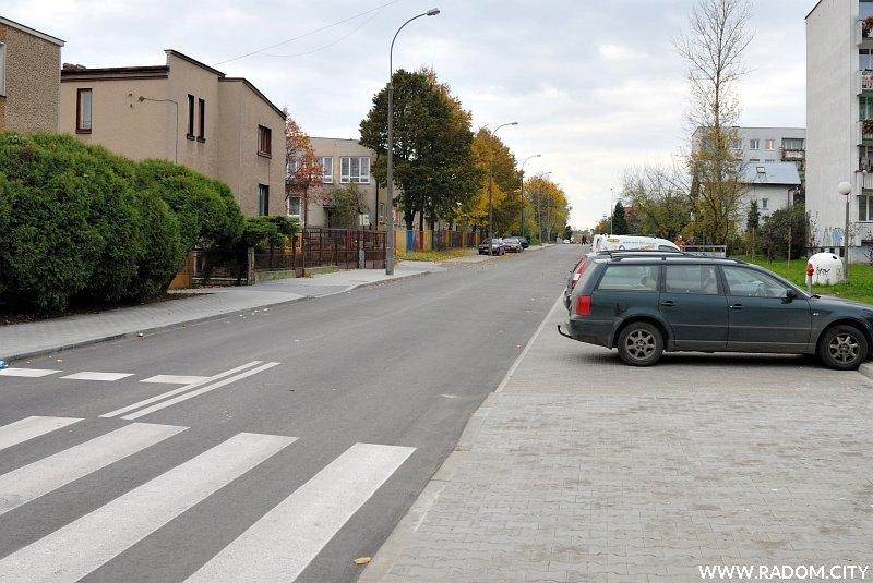 Radom. Ulica Olsztyńska widziana z ul. Szklanej.