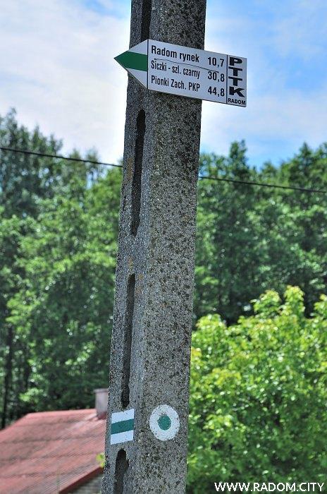 Radom. Początek zielonego szlaku w Rożkach.