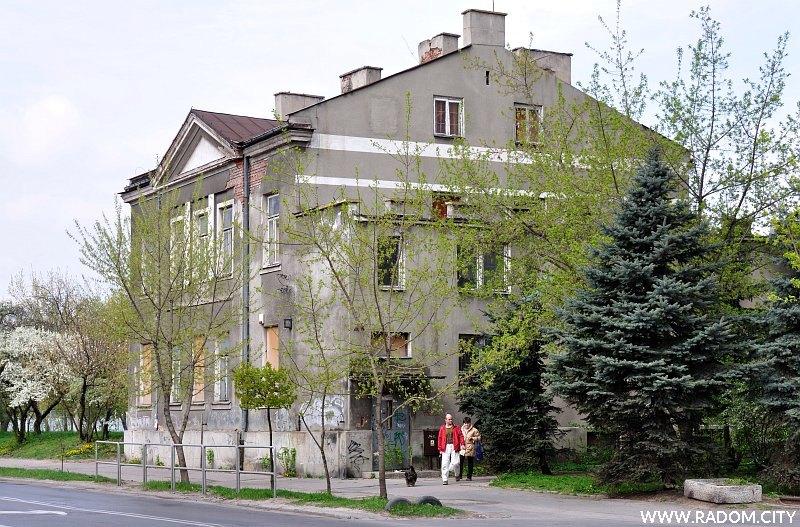 Radom. Budynek przy ul. Struga.