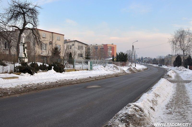 Radom. Ulica Wośnicka, widok sprzed posesji pod nr 40.