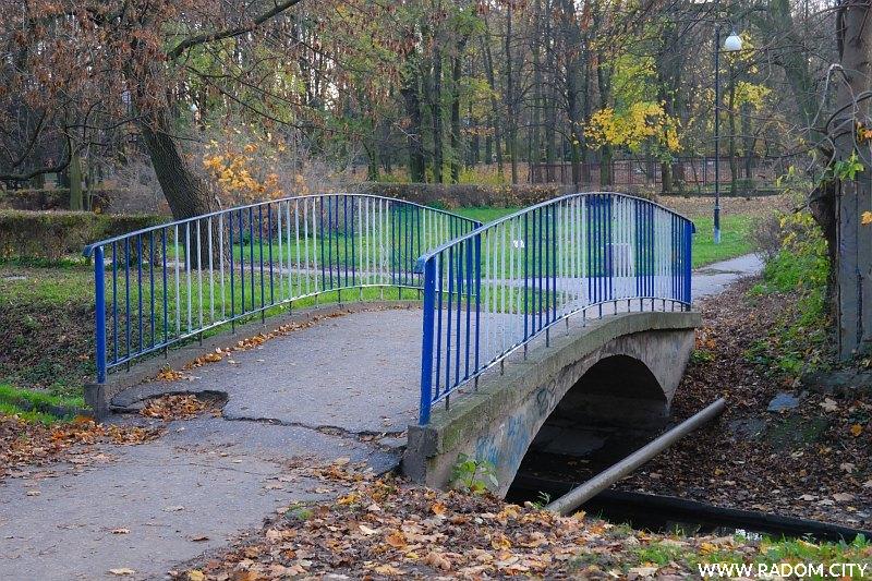 Radom. Mostek w Leśniczówce.