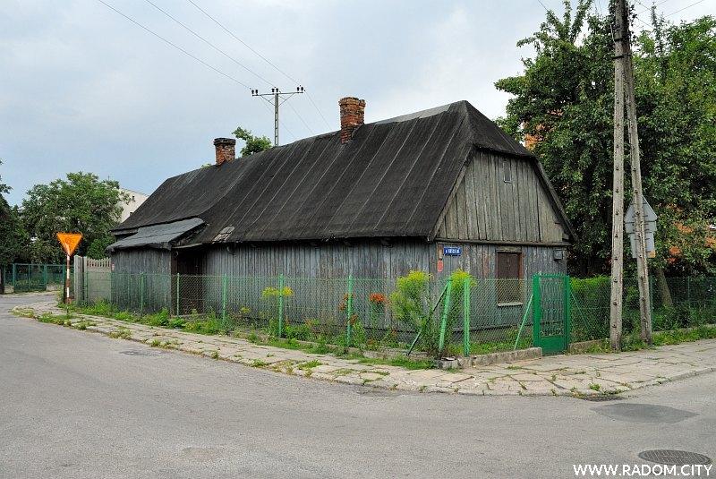 Radom. Ulica Przelotna, odcinek od ul. Kościelnej do ul. Długojowskiej.