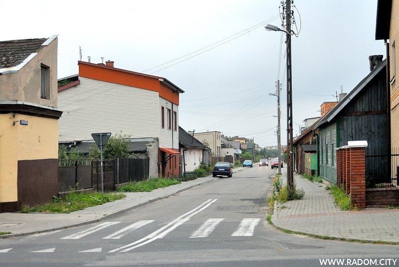 Radom. Ulica Tadeuszowska, widok z ul. Słowackiego.