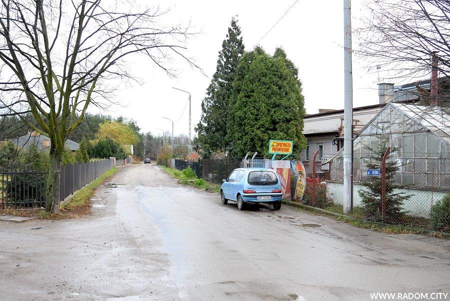Radom. Ulica Podleśna widziana z ul. Bakalarza.