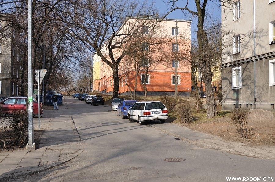 Radom. Ulica Kołłątaja widziana z ul. Winczewskich.