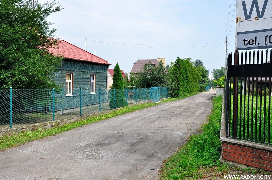 Radom. Ulica Kaliska widziana z ul. Lubelskiej.