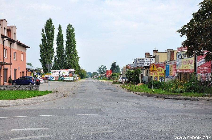 Radom. Ulica Chorzowska widziana z ul. Lubelskiej.
