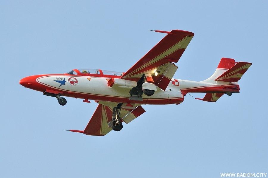 Radom. Samolot Iskra - Air Show.
