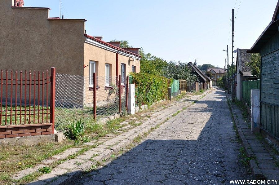 Radom. Ulica Krótka widziana z ul. Polnej.