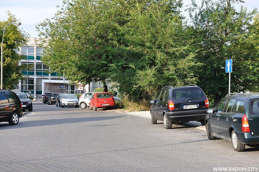 Radom. Ulica Krukowskiego widziana z ul. Kelles-Krauza.