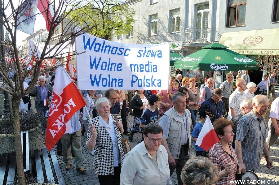Radom. Marsz w obronie wolnych mediów.
