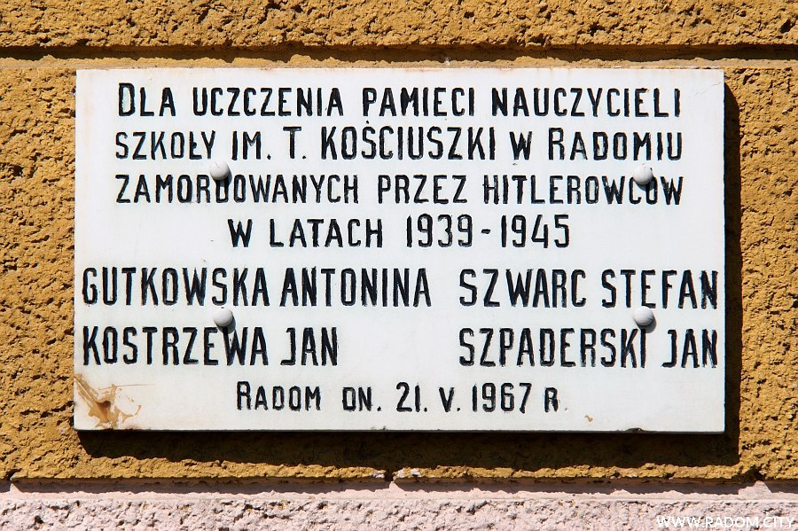 Radom. Tablica - szkoła/Dzierzkowska.