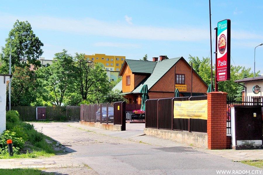 Radom. Ulica Grottgera widziana z ul. Okulickiego.