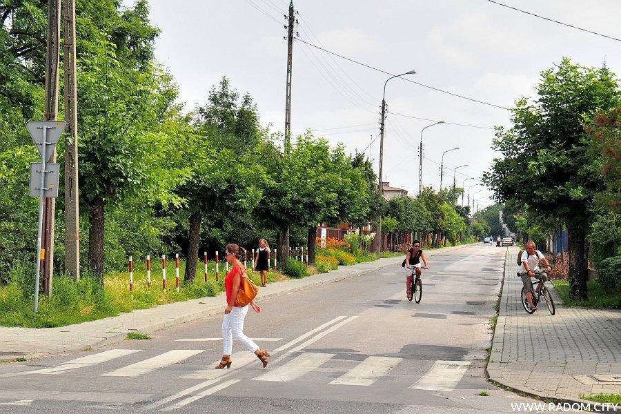 Radom. Ulica Kwiatowa widziana z ul. Słowackiego.