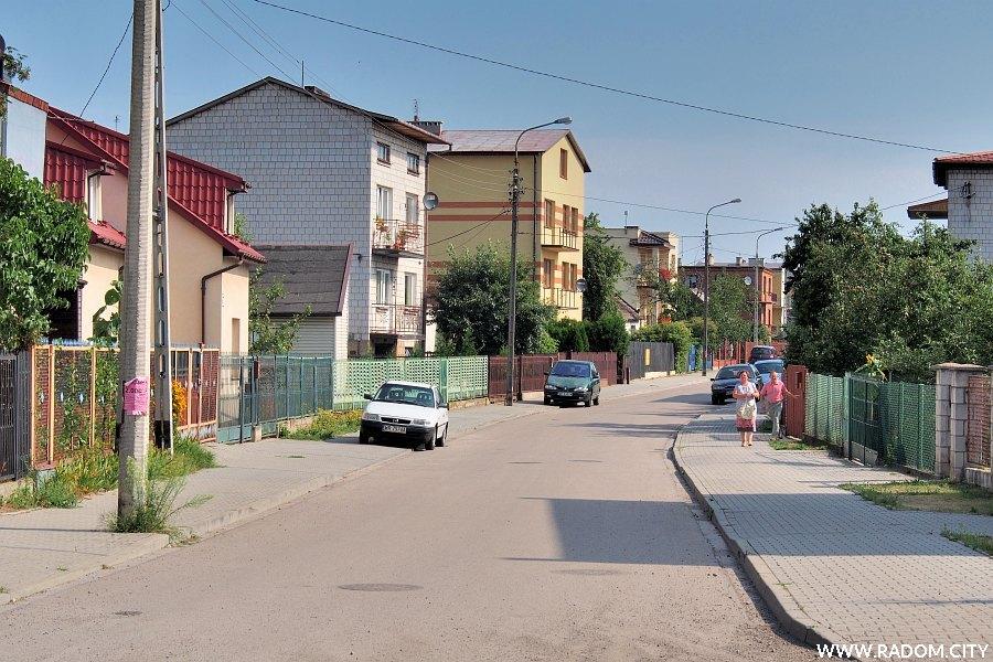 Radom. Ulica Jana Matejki, widok z ul. Wiertniczej.