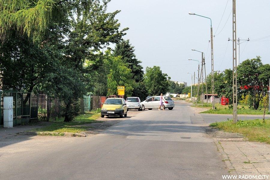 Radom. Ulica Świerkowa, widok z ul. Białej.