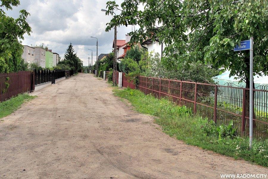 Radom. Ulica Jana Sebastiana Bacha, widok z ulicy Paciaka.