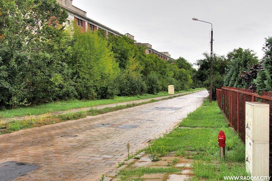 Radom. Ulica Żakowicka z ul. Wierzbickiej.