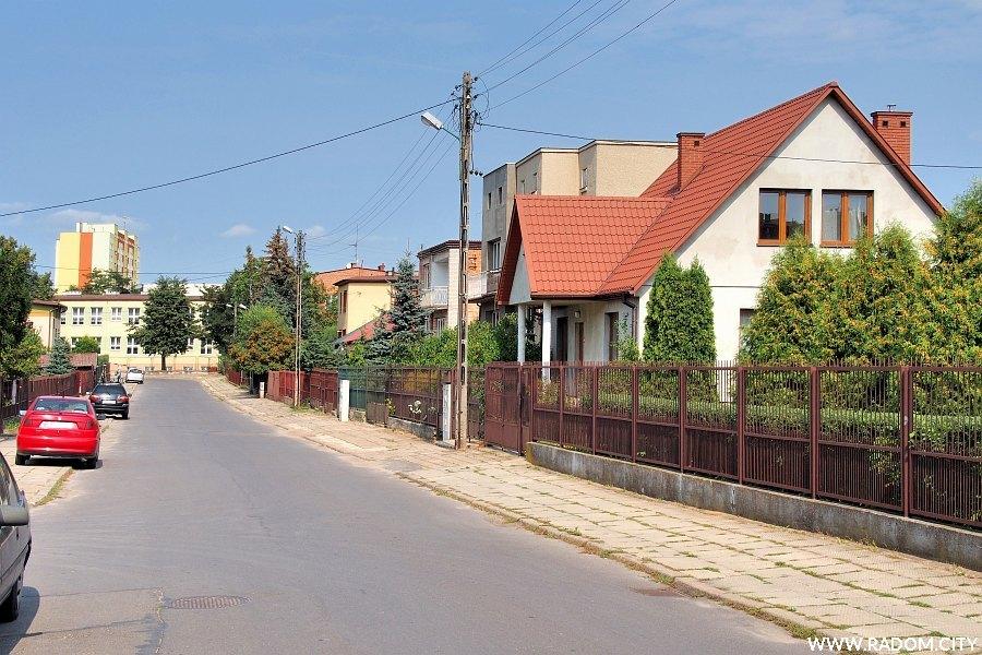 Radom. Ulica Kamienna w stronę ul. Zalewowej.