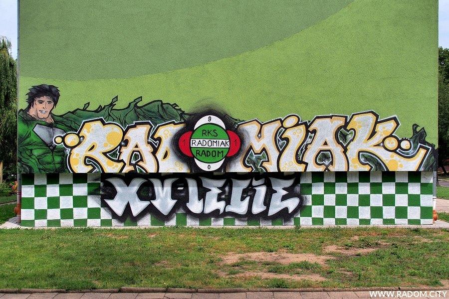 """Radom. Graffiti """"Radomiak XV-lecie"""" - Miła 29."""
