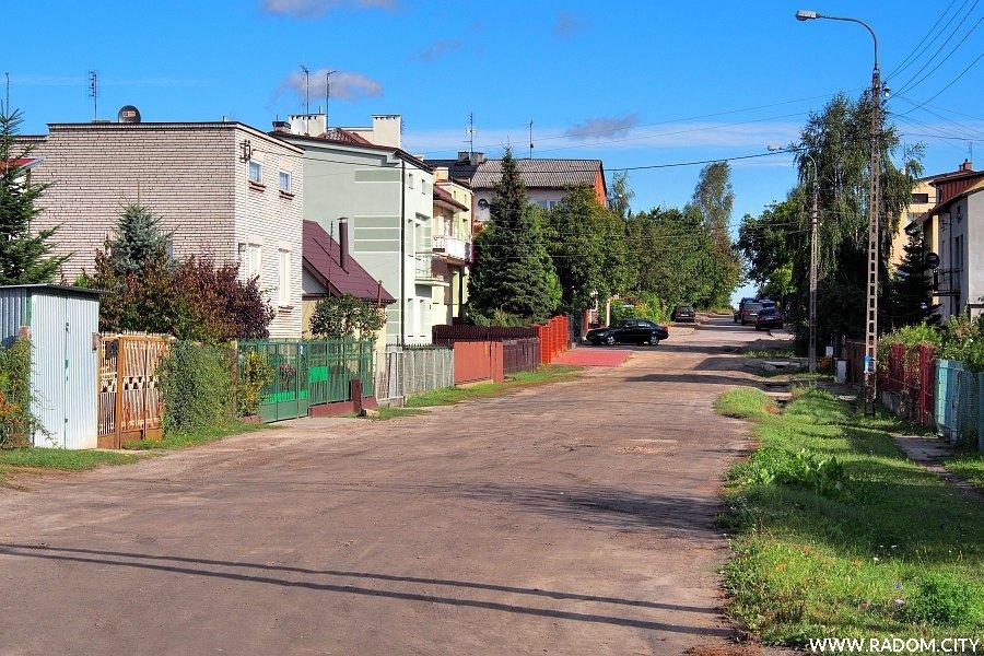 Radom. Ulica Masztowa z ul. Osiowej.