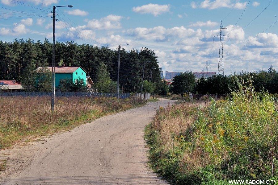 Radom. Ulica Chabrowa z ul. Zielonej.