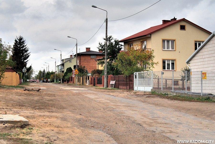 Radom. Ulica Tetmajera z ul. Kieleckiej.