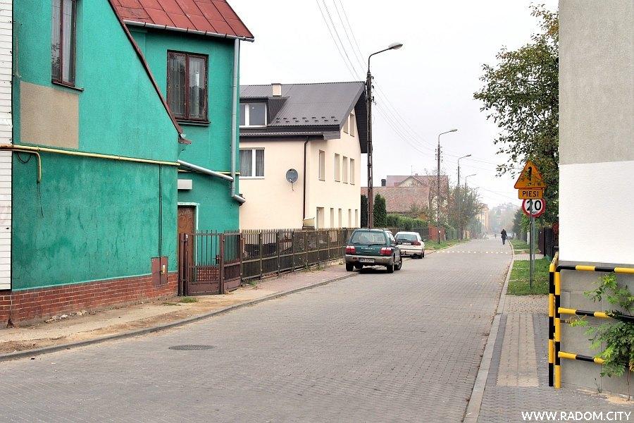 Radom. Ulica Szara od strony ul. Słowackiego.