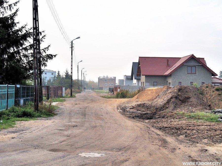 Radom. Ulica Rzeckiego z ul. Błękitnej.