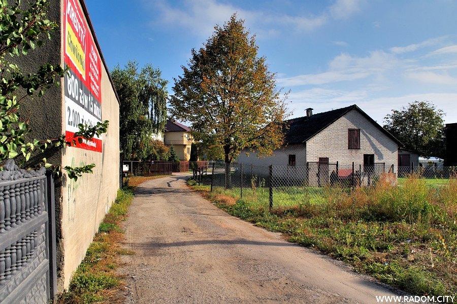 Radom. Ulica Leszczynowa z ul. Słowackiego.
