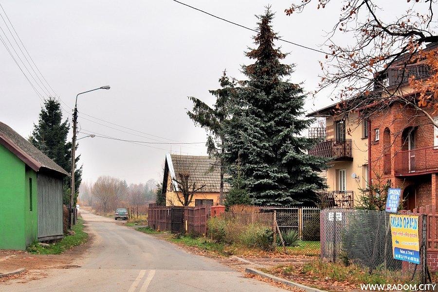 Radom. Ulica Orna z ul. Starokrakowskiej.
