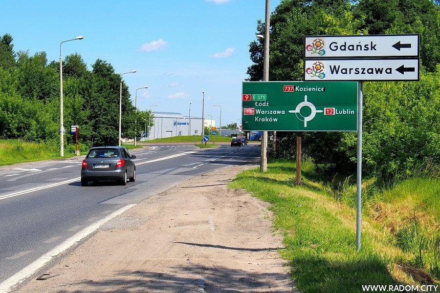 Radom. Aleja Wojska Polskiego w stronę ronda Popiełuszki.