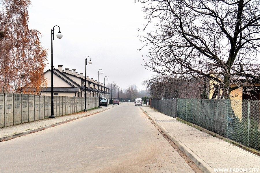 Radom. Ulica Zygmunta Wojdana z ul. Lesiowskiej.