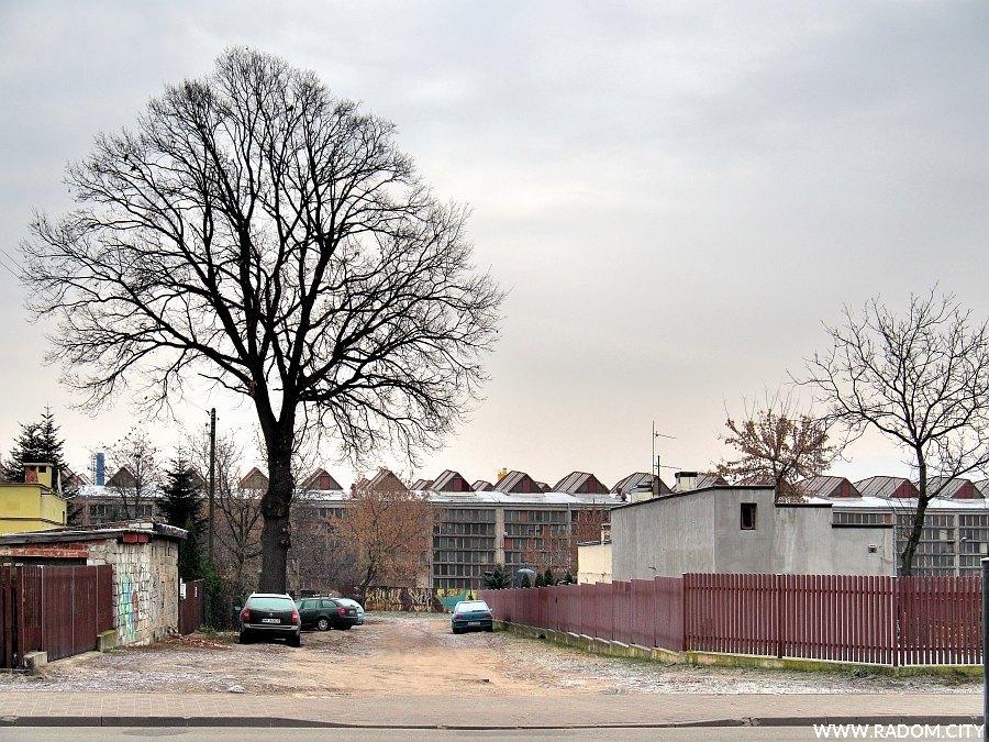 Radom. Ulica Luźna z ul. Folwarcznej.