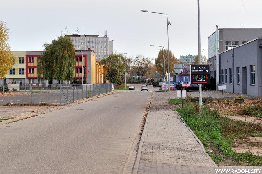 Radom. Ulica Przemysłowa w kierunku ul. Biznesowej.