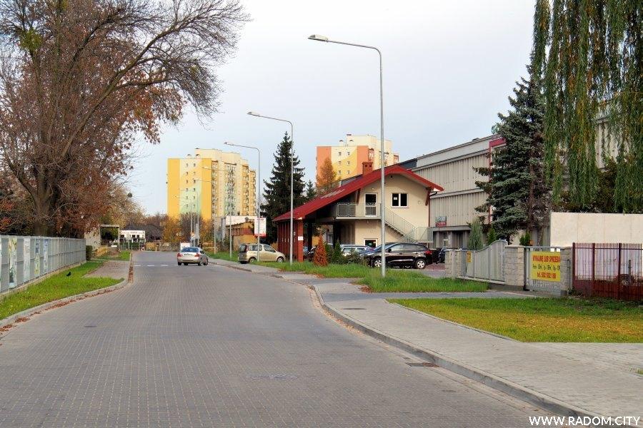 Radom. Ulica Biznesowa z ul. Przemysłowej.