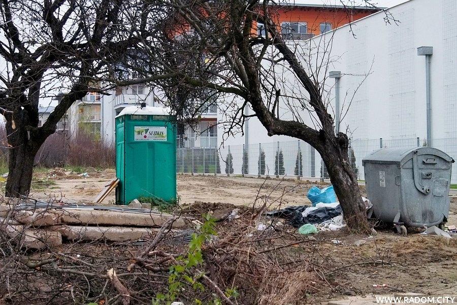 Radom. Na tyłach HopStop przy Paderewskiego.