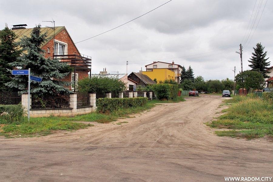 Radom. Ulica Miodowa z ul. Topiel.
