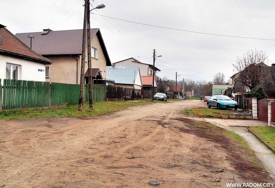 Radom. Ulica Solna od strony ul. Szarych Szeregów.